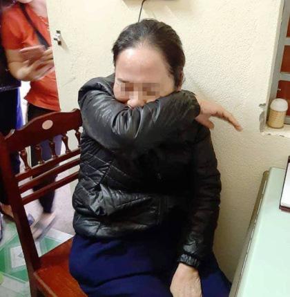 Nghệ An: Tạm giữ người phụ nữ nghi thôi miên để trộm tiền ở chợ - Ảnh 2.