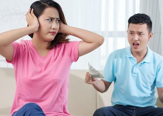 Vợ chồng cãi nhau nảy lửa chuyện mua bảo hiểm phòng dịch nhưng nguyên nhân phía sau mới thật bất ngờ - Ảnh 2.