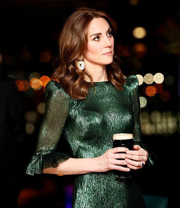 Công nương Kate quá lộng lẫy và xinh đẹp khi công du du Ireland - Ảnh 10.