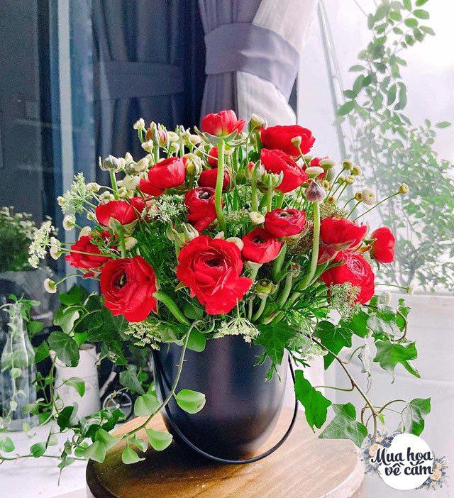 """Muôn kiểu cắm hoa mao lương đẹp """"không đụng hàng"""", nhà mẹ Việt rực sắc đón ngày 8/3 - Ảnh 1."""