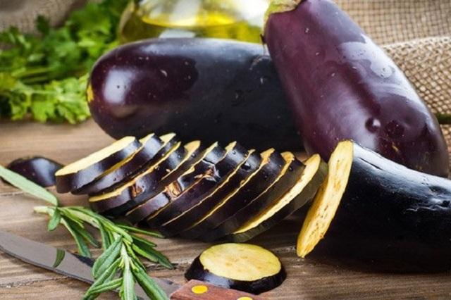 Thói quen mua xúc xích về bóc vỏ bọc ăn luôn cực kì nguy hại nhưng nhiều người lại không biết - Ảnh 9.
