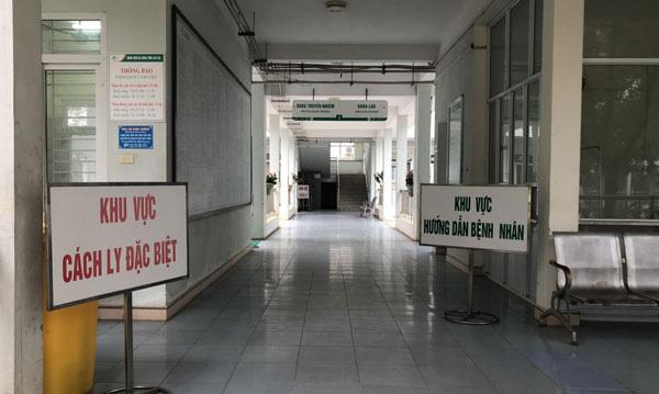 Lào Cai cách ly 180 người tiếp xúc trực tiếp và gián tiếp với 2 du khách Anh nhiễm COVID-19 - Ảnh 3.