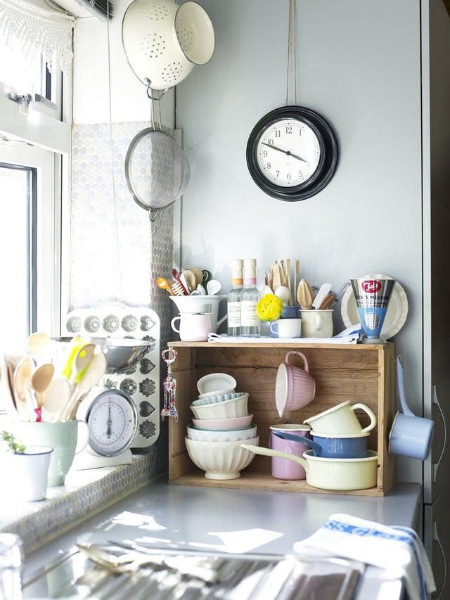 Bạn sẽ tiếc nếu bỏ qua 10 cách lưu trữ cực thông minh này để nhà bếp luôn gọn đẹp - Ảnh 2.