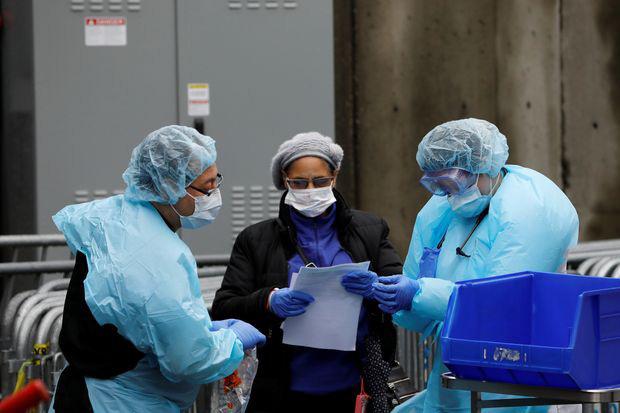 Khủng hoảng New York - bác sĩ quyết định ưu tiên cứu sống ai - Ảnh 1.