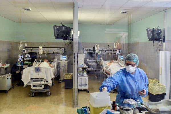 Khủng hoảng New York - bác sĩ quyết định ưu tiên cứu sống ai - Ảnh 2.