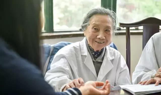 Bí quyết sống thọ của nữ bác sĩ 99 tuổi: Chỉ cần thực hiện tốt 2 điểm này - Ảnh 1.