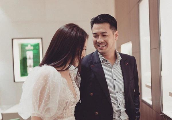 Em chồng Hà Tăng: Chàng doanh nhân yêu toàn Á hậu, hot girl nổi tiếng của showbiz Việt - Ảnh 4.