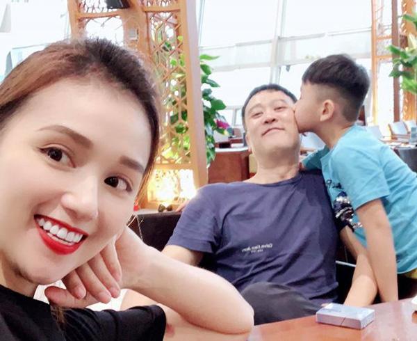 Chồng hơn 12 tuổi của Tuệ Lâm Lã Thanh Huyền trong Tình yêu và tham vọng: Doanh nhân thành đạt chiều chuộng vợ con - Ảnh 3.