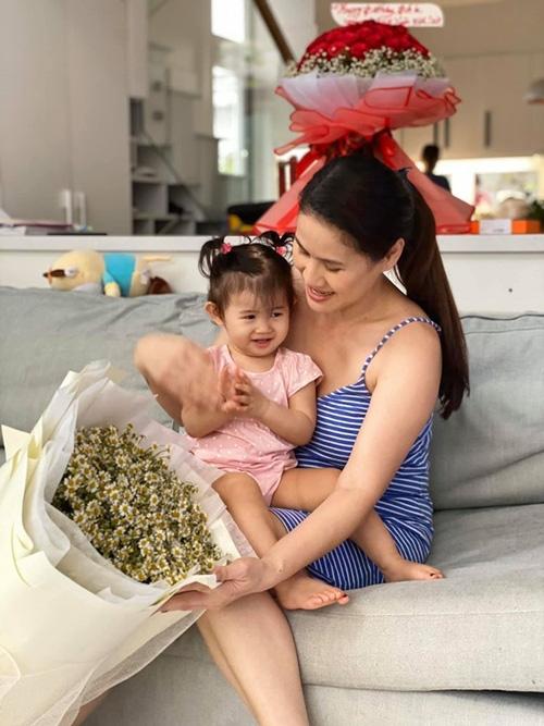 Tăng Thanh Hà tổ chức sinh nhật cho Thân Thúy Hà - Ảnh 5.
