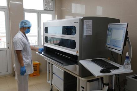 Ninh Bình lấy mẫu xét nghiệm hàng chục trường hợp liên quan đến bệnh nhân 237 người Thụy Điển - Ảnh 5.