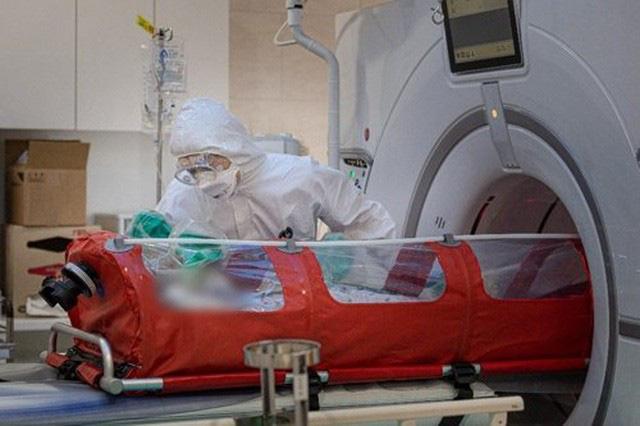 Thế giới chạm ngưỡng 65.000 người tử vong vì COVID-19, nước Mỹ bất lực nhìn số ca nhiễm leo thang - Ảnh 7.