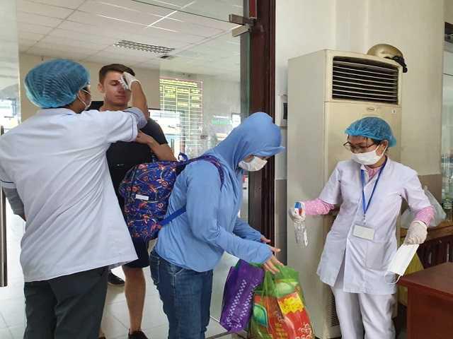 Nhiều hành khách hủy vé bay khi Đà Nẵng quy định thu phí cách ly người đến từ Hà Nội, TP.HCM - Ảnh 5.