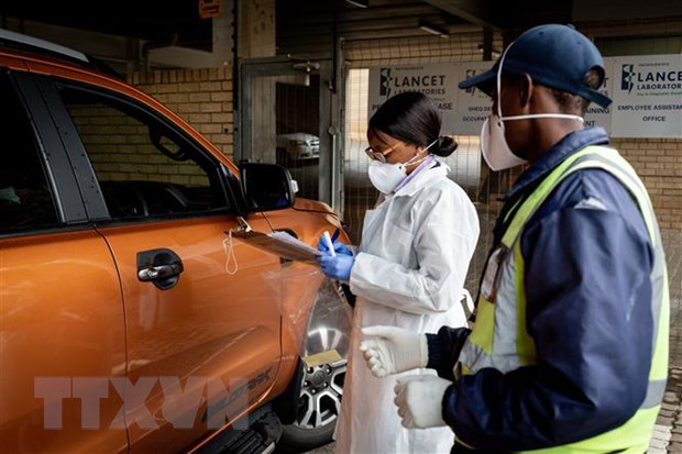 Thế giới chạm ngưỡng 65.000 người tử vong vì COVID-19, nước Mỹ bất lực nhìn số ca nhiễm leo thang - Ảnh 9.