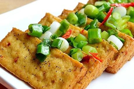 3 loại rau nếu ăn cùng đậu phụ cực hại sức khỏe, trong khi rất nhiều người không biết - Ảnh 1.