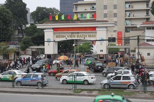 Truy xuất thông tin toàn bộ tài xế có cuốc chở khách đi, đến Bệnh viện Bạch Mai - Ảnh 3.