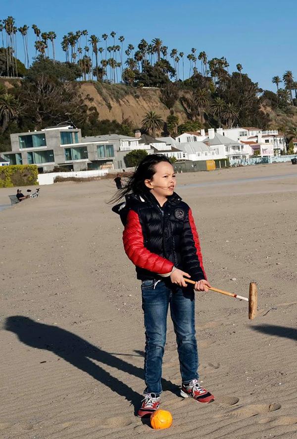 Bống Hồng Nhung nói chuyện với hoa, cô San - Diệu Hương nấu món Việt thết đãi cả nhà khi sống bên Mỹ - Ảnh 5.