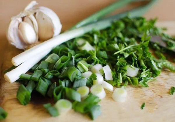 5 loại gia vị trong bếp không chỉ rẻ tiền mà còn là vị thuốc cực tốt cho sức khỏe - Ảnh 4.