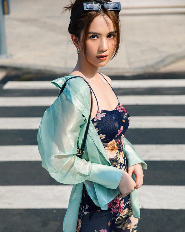 """Sao Việt diện trang phục xanh ngát: Xu hướng màu mới và mẹo """"lên đồ"""" cho nàng da ngăm - Ảnh 1."""