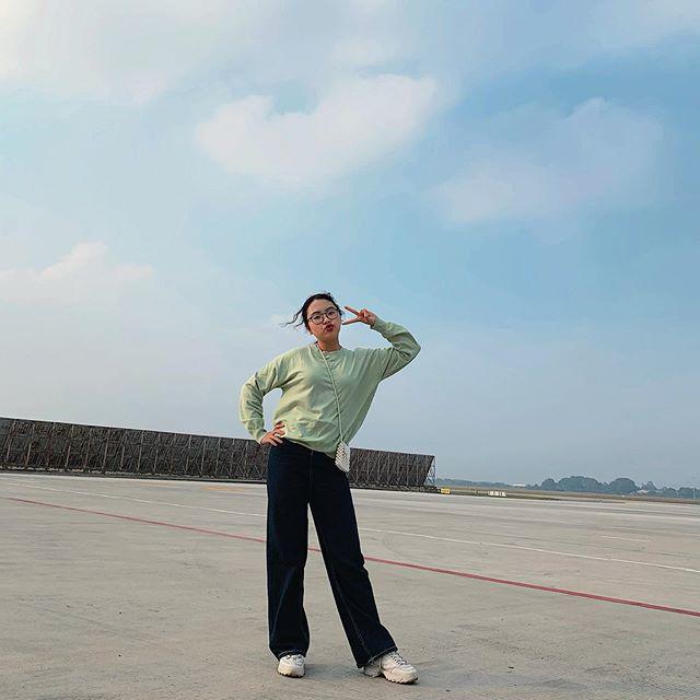 """Sao Việt diện trang phục xanh ngát: Xu hướng màu mới và mẹo """"lên đồ"""" cho nàng da ngăm - Ảnh 11."""