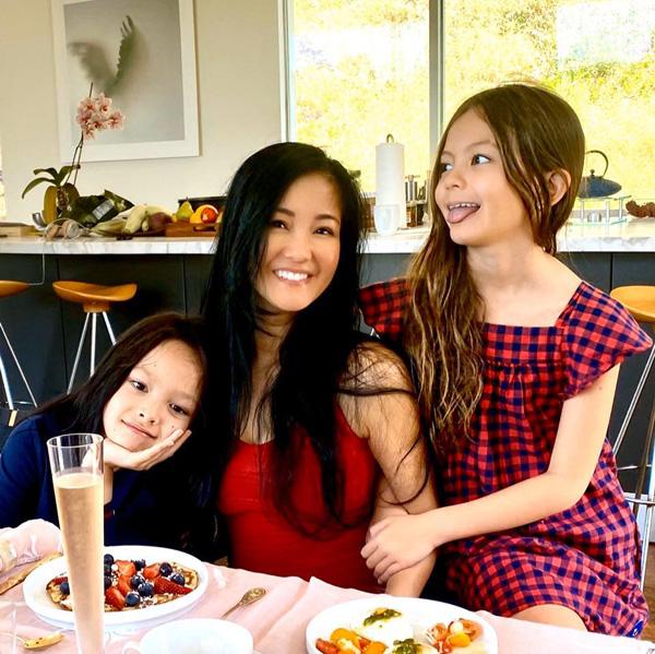 Diva Thanh Lam, Bống Hồng Nhung: Nhan sắc U50 ngọt ngào và đang có bạn trai mới - Ảnh 11.