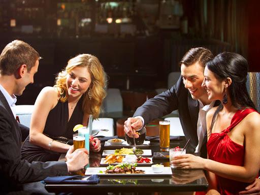 Những sai lầm khiến bạn trở nên quê kiểng hết mức khi đi ăn nhà hàng - Ảnh 6.