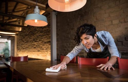 Những sai lầm khiến bạn trở nên quê kiểng hết mức khi đi ăn nhà hàng - Ảnh 4.