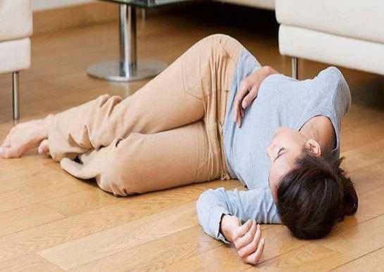 Những thói quen cần bỏ ngay nếu không muốn bị đột quỵ khi trời nắng nóng - Ảnh 1.