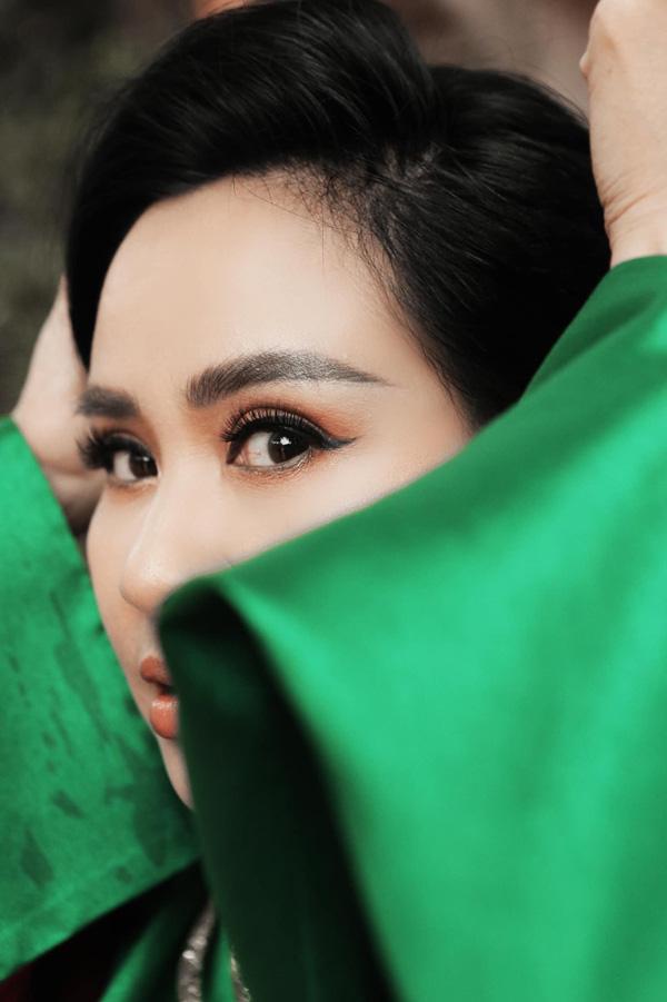 Diva Thanh Lam, Bống Hồng Nhung: Nhan sắc U50 ngọt ngào và đang có bạn trai mới - Ảnh 1.
