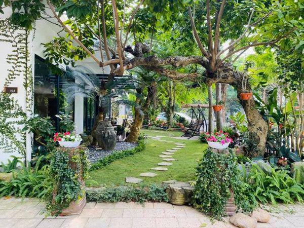 Khu vườn xanh mướt trong biệt thự ở ngoại thành của ca sĩ Xuân Nhị, tận mắt mới thấy cực hoàng tráng - Ảnh 4.