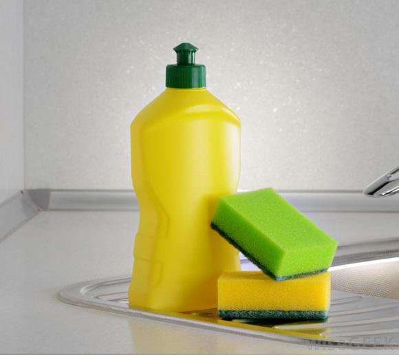 Không sợ đứt tay, không tốn công chà rửa, chỉ với mẹo nhỏ này máy xay sinh tố sẽ sạch bong trong vòng chưa đến 1 phút - Ảnh 8.