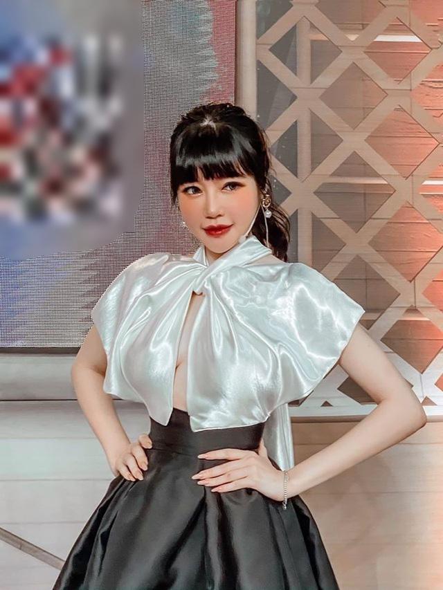 Elly Trần bị ngã cầu thang chấn thương vai sau ồn ào đời tư  - Ảnh 2.