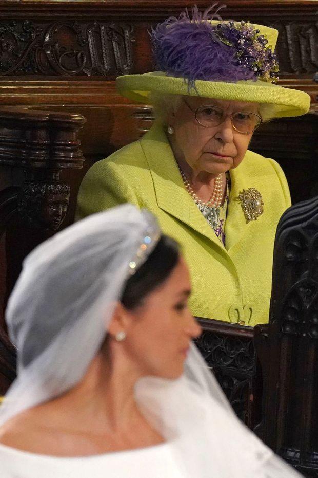 Nữ hoàng Anh từng nhẫn nhịn chiều lòng Meghan Markle nhưng vì sự đòi hỏi thái quá, bà đã ra tay dạy dỗ cháu dâu khiến ai cũng nể phục - Ảnh 2.