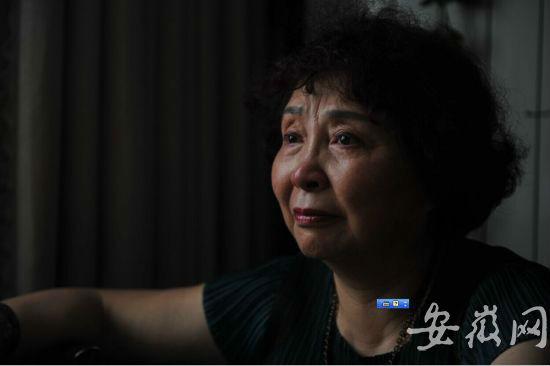 10 năm trước, người phụ nữ đánh đổi tính mạng để sinh con ở tuổi 60 và đằng sau hành động ấy là một câu chuyện buồn - Ảnh 1.