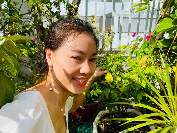 Khám phá vườn rau sạch của vợ chồng đạo diễn của các Hoa hậu Hoàng Nhật Nam - Ảnh 12.