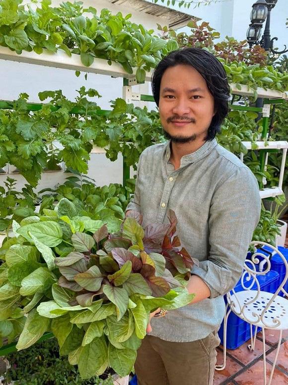 Khám phá vườn rau sạch của vợ chồng đạo diễn của các Hoa hậu Hoàng Nhật Nam - Ảnh 4.