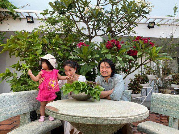Khám phá vườn rau sạch của vợ chồng đạo diễn của các Hoa hậu Hoàng Nhật Nam - Ảnh 7.