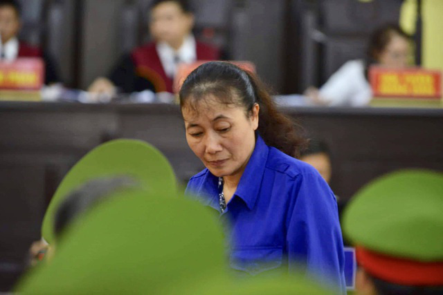Nhiều bị cáo kêu oan, thay đổi lời khai tại phiên toà xử vụ gian lận điểm thi ở Sơn La - Ảnh 3.