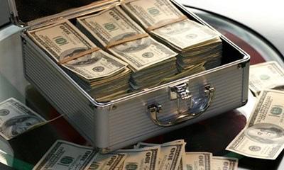 5 sai lầm về tiền bạc ở tuổi trung niên có thể khiến bạn phải hối hận khi nghỉ hưu - Ảnh 1.
