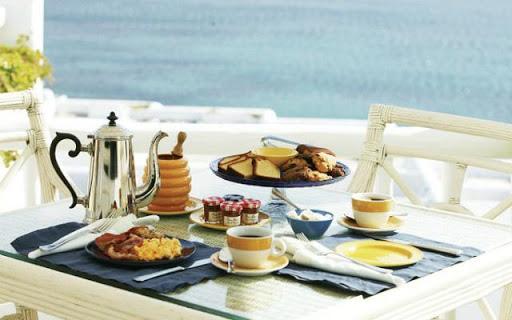 Lý do các khách sạn thường phục vụ bữa sáng miễn phí cho khách sẽ khiến bạn bất ngờ - Ảnh 1.