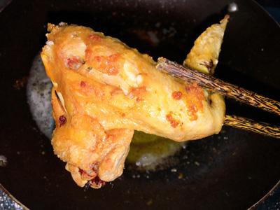 Cánh gà mắm tỏi ăn kèm xôi - Ảnh 3.