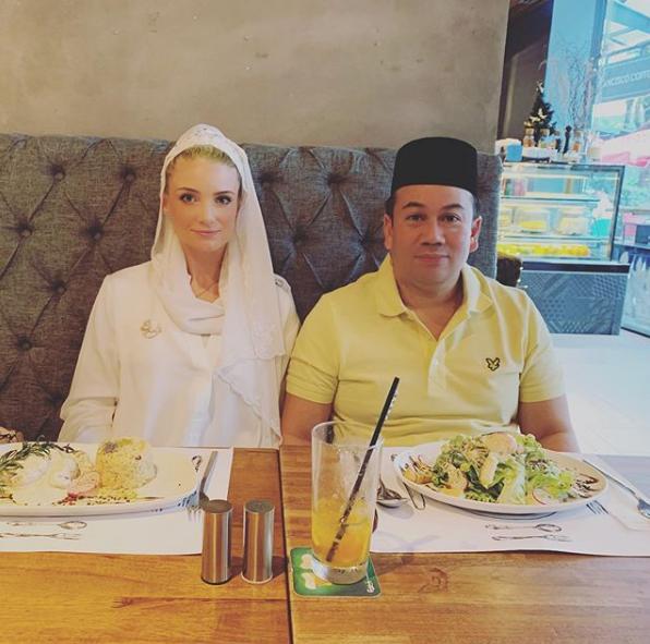 Từng bị phản đối vì quá khác biệt, nàng dâu ngoại quốc của hoàng gia Malaysia có cuộc sống thay đổi hoàn toàn sau 1 năm kết hôn với Thái tử - Ảnh 9.