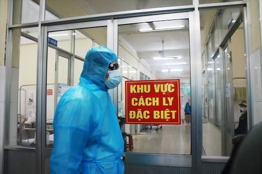 Phát hiện thêm bệnh nhân COVID-19 trên chuyến bay từ Nga về - Ảnh 2.