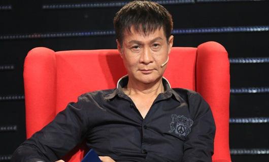Lê Hoàng khiến khán giả ngỡ ngàng khi vô tư kể: Khổ thân Quyền Linh lắm, không có tiền trả cả ly cà phê... - Ảnh 1.