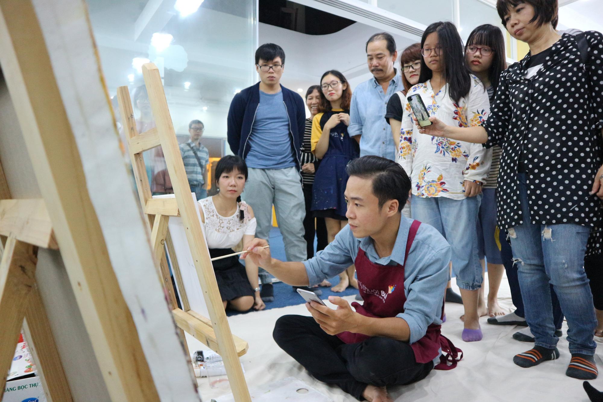 Bụi Xưởng: Đặc biệt hơn cả một lớp học vẽ - Ảnh 7.