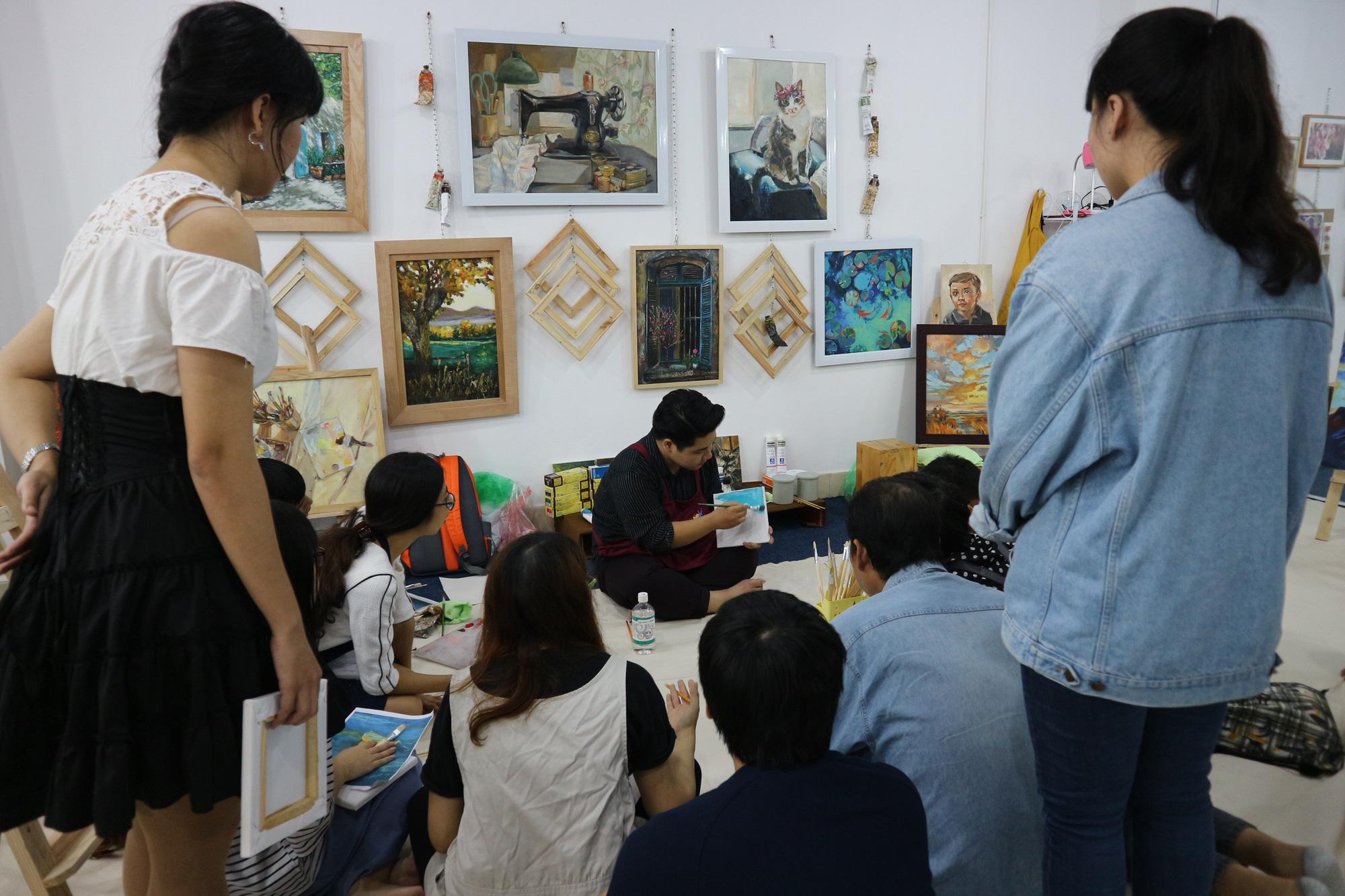 Bụi Xưởng: Đặc biệt hơn cả một lớp học vẽ - Ảnh 13.