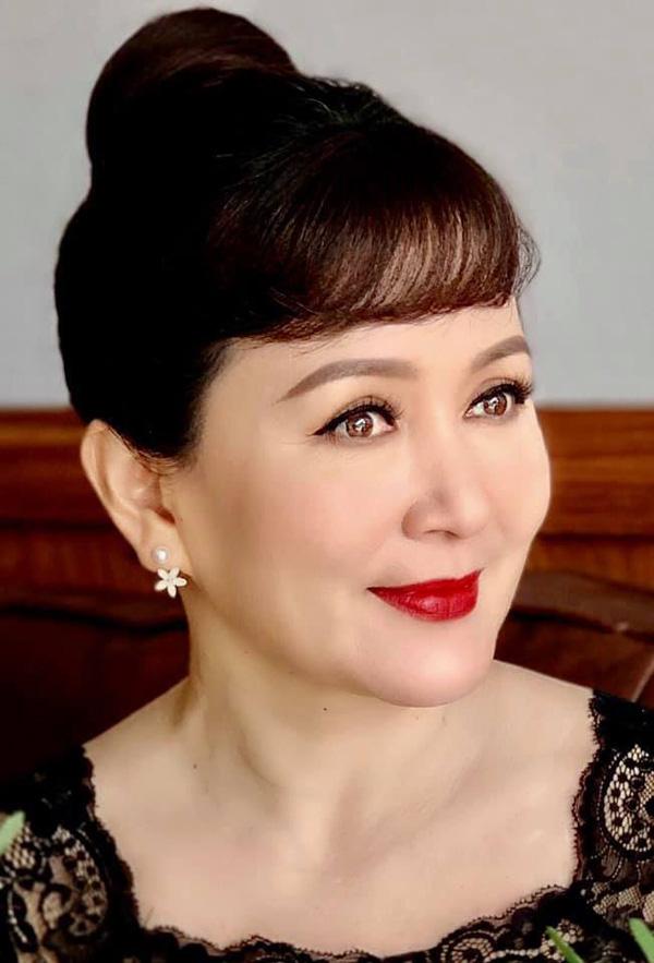 Bà chủ tịch Khuê trong Tình yêu và tham vọng và tin đồn nhạy cảm với NSND Hoàng Dũng - Ảnh 4.