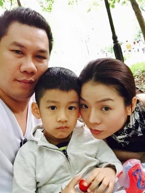"""Chân dung những bà mẹ kế """"vàng mười của showbiz Việt - Ảnh 7."""