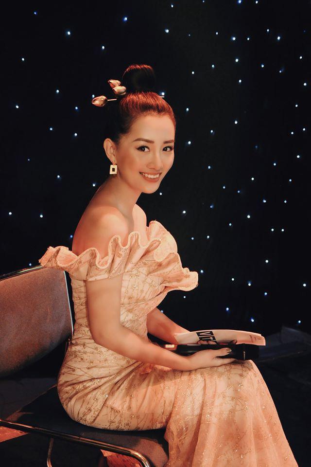 MC Quỳnh Chi: Tôi vẫn cô đơn vì không giỏi         yêu! - Ảnh 2.