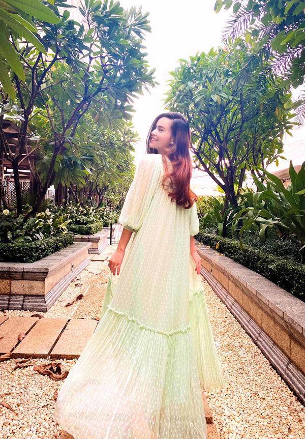 Chiêm ngưỡng nhan sắc rạng rỡ của Hồ Ngọc Hà khi mang thai đôi ở tuổi 36 - ảnh 7