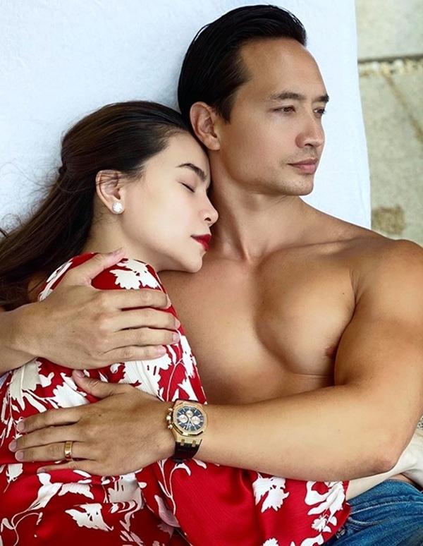 Chiêm ngưỡng nhan sắc rạng rỡ của Hồ Ngọc Hà khi mang thai đôi ở tuổi 36 - ảnh 1